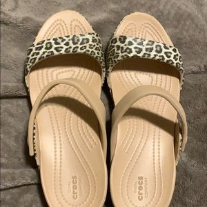 Croc sandals brand new 8W